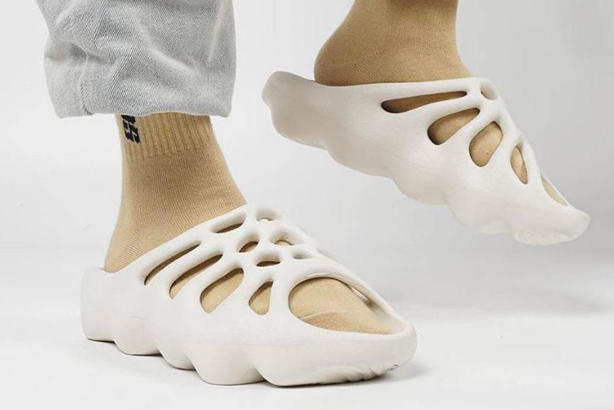 YEEZY FOAM RUNNER 椰子洞洞鞋 异形 纯原鞋出货